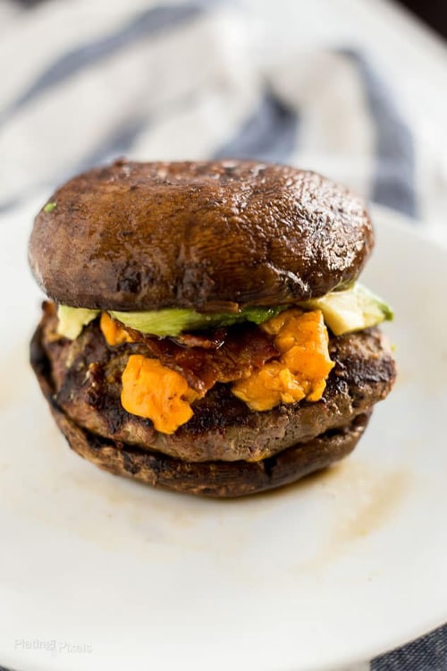 Low Carb Burger Recipes: Grilled Keto Cheese Burgers on Portobello Buns